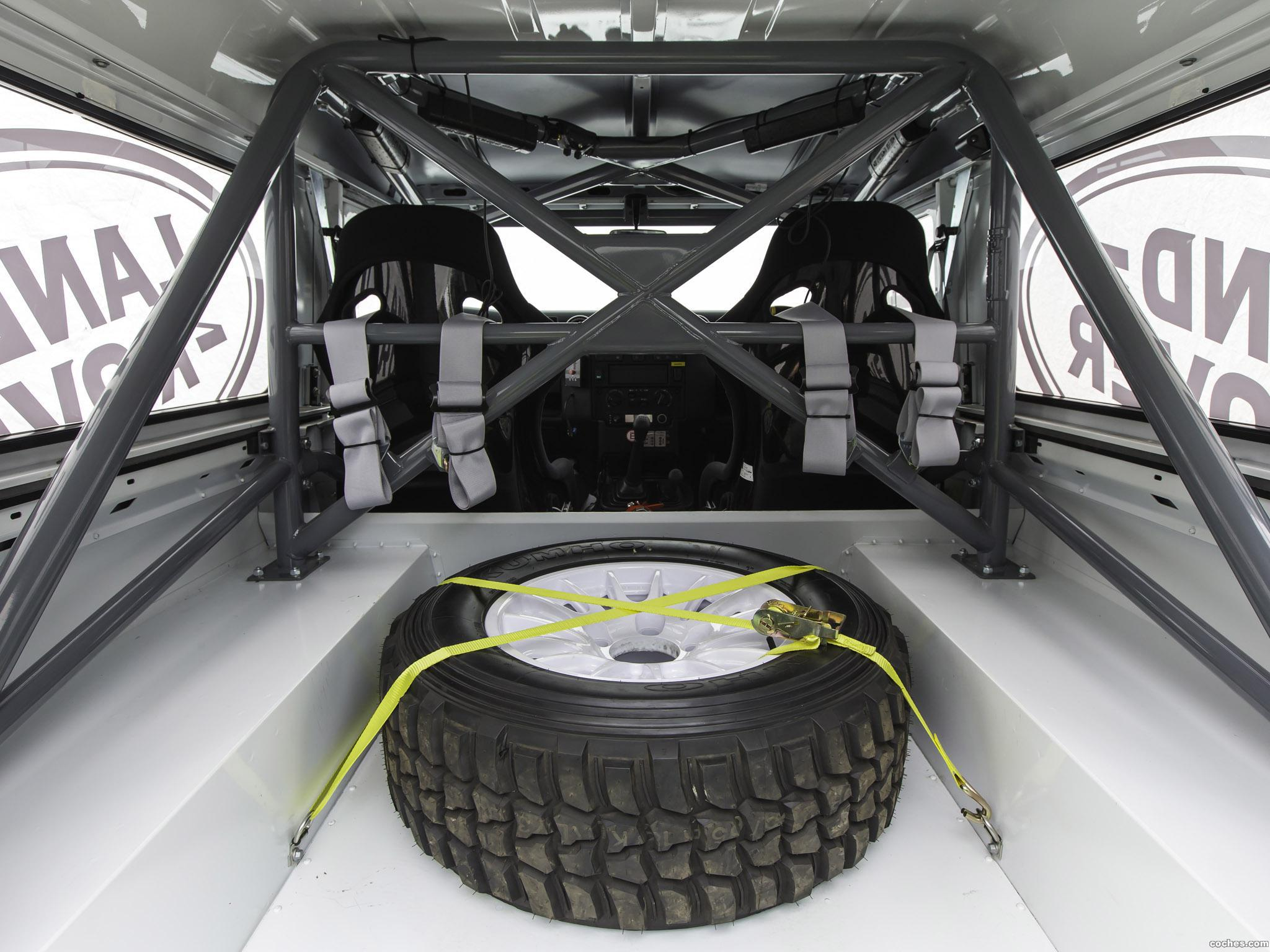 Foto 21 de Land Rover Defender Challenge by Bowler 2014