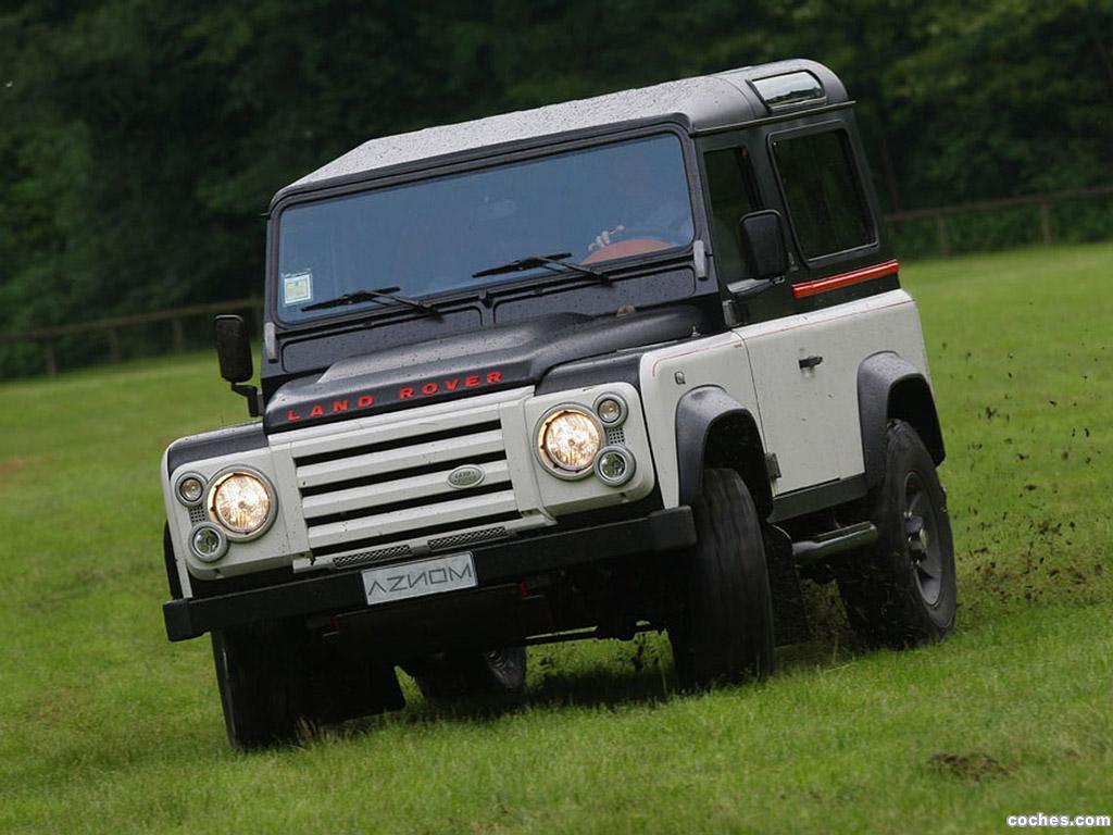 Foto 0 de Land Rover Defender by Aznom 2010