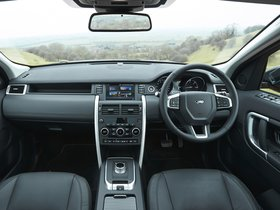 Ver foto 23 de Land Rover Discovery Sport HSE Luxury L550 UK 2015