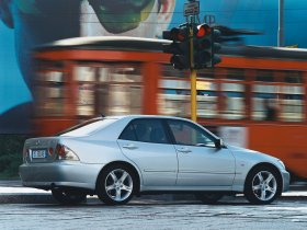 Ver foto 2 de Lexus IS 300 2001