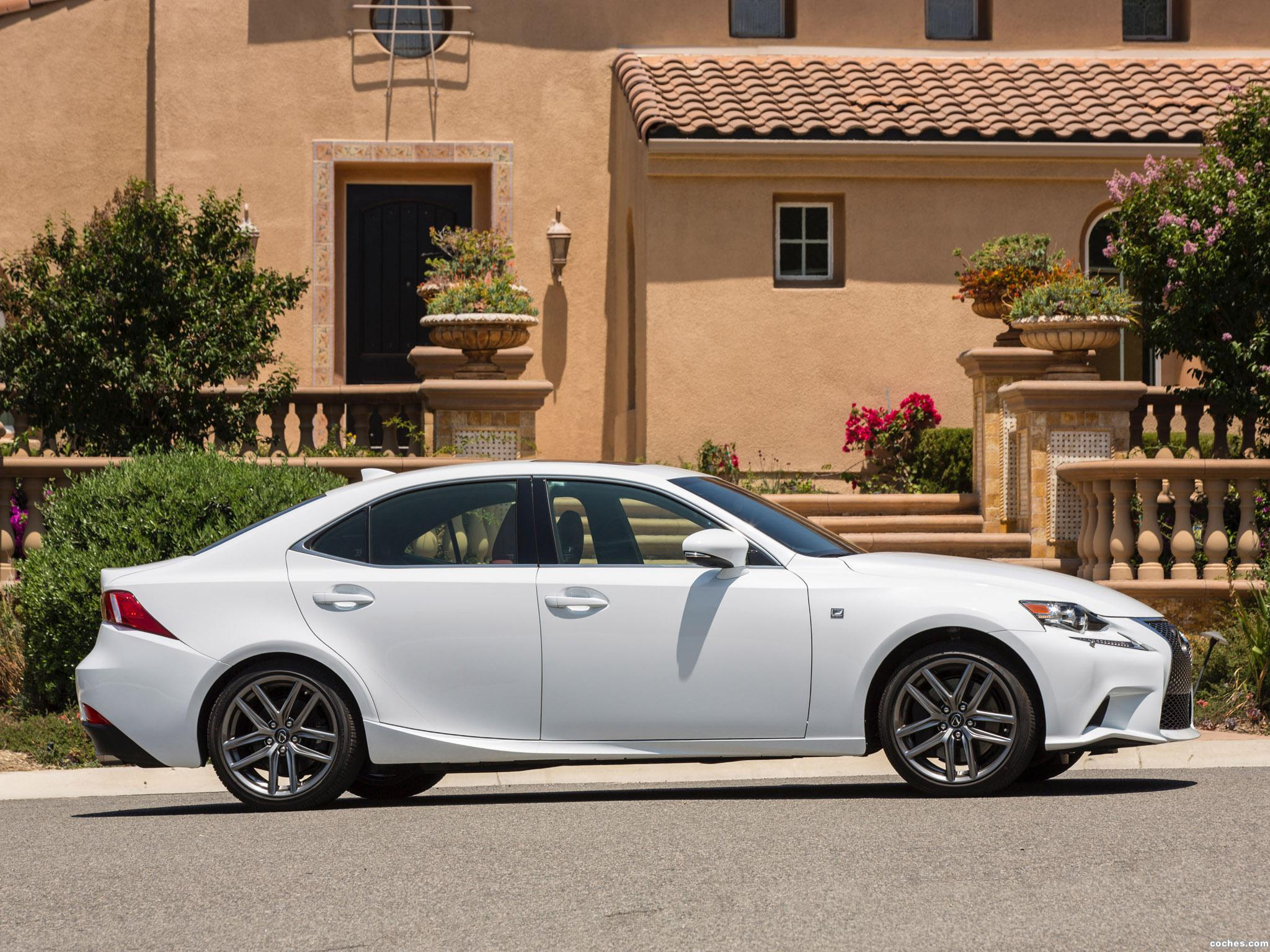 Foto 1 de Lexus IS 300 AWD F-Sport 2015