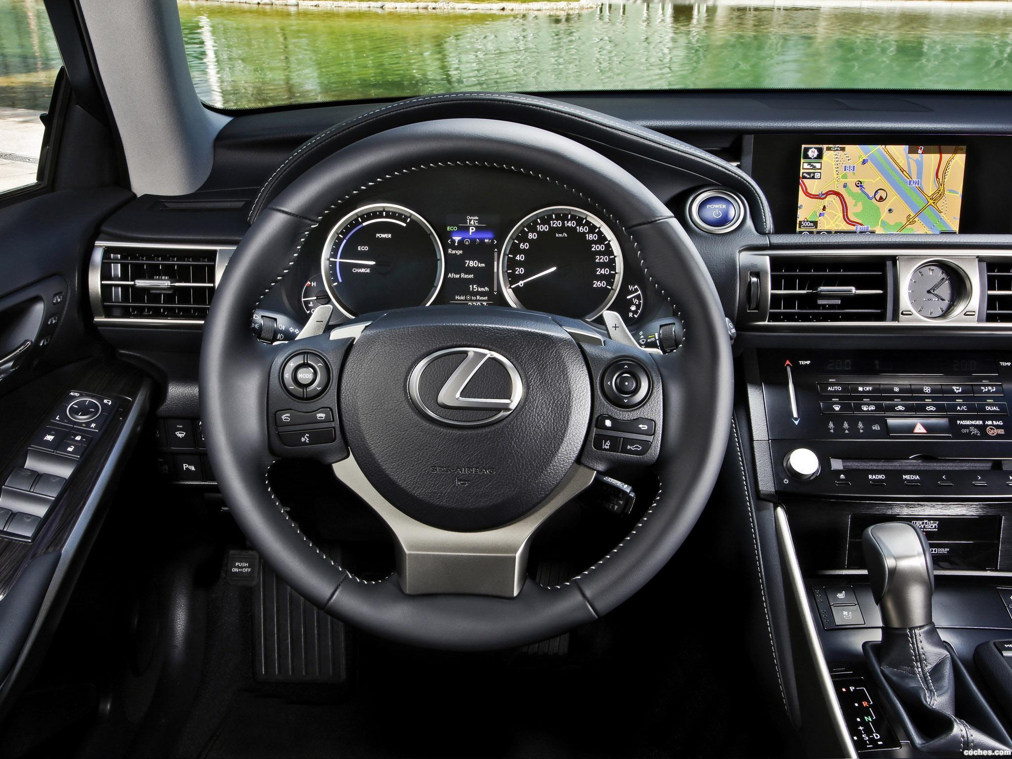 Foto 19 de Lexus IS 300h Europe 2013