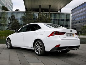 Ver foto 16 de Lexus IS 300h F-Sport Europe 2013