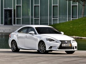 Ver foto 15 de Lexus IS 300h F-Sport Europe 2013