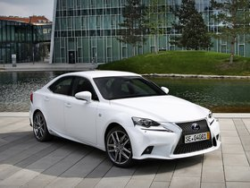Ver foto 14 de Lexus IS 300h F-Sport Europe 2013