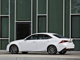 Ver foto 12 de Lexus IS 300h F-Sport Europe 2013