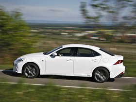 Ver foto 7 de Lexus IS 300h F-Sport Europe 2013