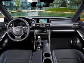 Ver foto 21 de Lexus IS 300h F-Sport Europe 2013