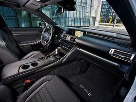 Ver foto 19 de Lexus IS 300h F-Sport Europe 2013