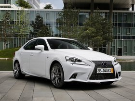 Ver foto 17 de Lexus IS 300h F-Sport Europe 2013