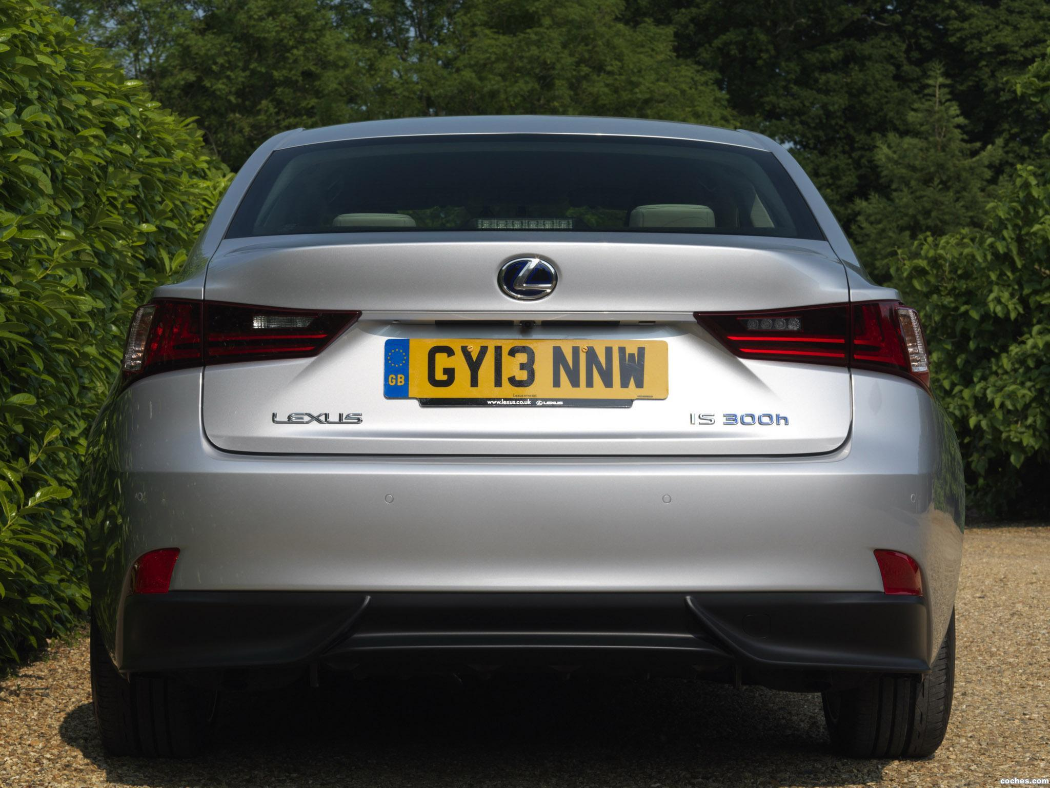 Foto 1 de Lexus IS 300h XE30 UK 2013