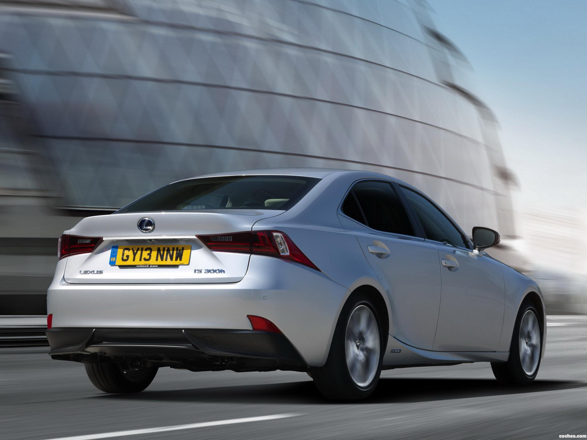 Foto 6 de Lexus IS 300h XE30 UK 2013