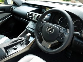 Ver foto 11 de Lexus IS 300h XE30 UK 2013