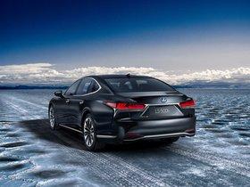 Ver foto 2 de Lexus LS 500h 2017