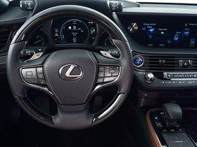Ver foto 38 de Lexus LS 500h AWD  2017