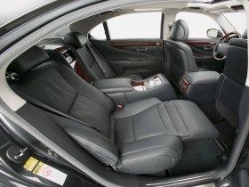 Ver foto 25 de Lexus LS 600h L UVF45 2007