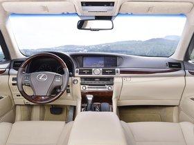 Ver foto 17 de Lexus LS 600hL Europe 2013