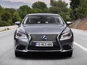 Ver foto 3 de Lexus LS 600hL Europe 2013