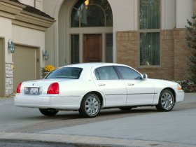Ver foto 3 de Lincoln Towncar 2003