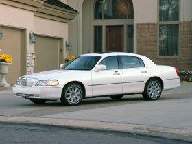 Ver foto 2 de Lincoln Towncar 2004
