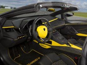 Ver foto 4 de Mansory Lamborghini Aventador LP700-4 Roadster Carbonado 2013