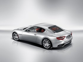 Ver foto 23 de Maserati GranTurismo 2007
