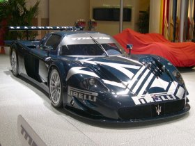 Fotos de Maserati MC12 2004