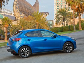 Ver foto 10 de Mazda 2 (DJ) 2015
