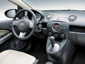 Ver foto 6 de Mazda 2 Sedan 2007