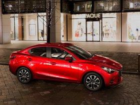 Ver foto 3 de Mazda 2 Sedan 2015
