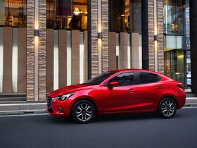 Ver foto 2 de Mazda 2 Sedan 2015