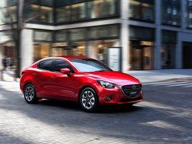 Fotos de Mazda 2 Sedan 2015