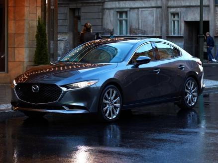 Mazda Mazda3 Sedán 2.0 Skyactiv-x Zenith Safety Black Aut. 132kw