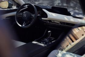 Ver foto 2 de Mazda 3 Sedan Zenith 2019