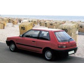 Ver foto 2 de Mazda 323 3 puertas BG 1989