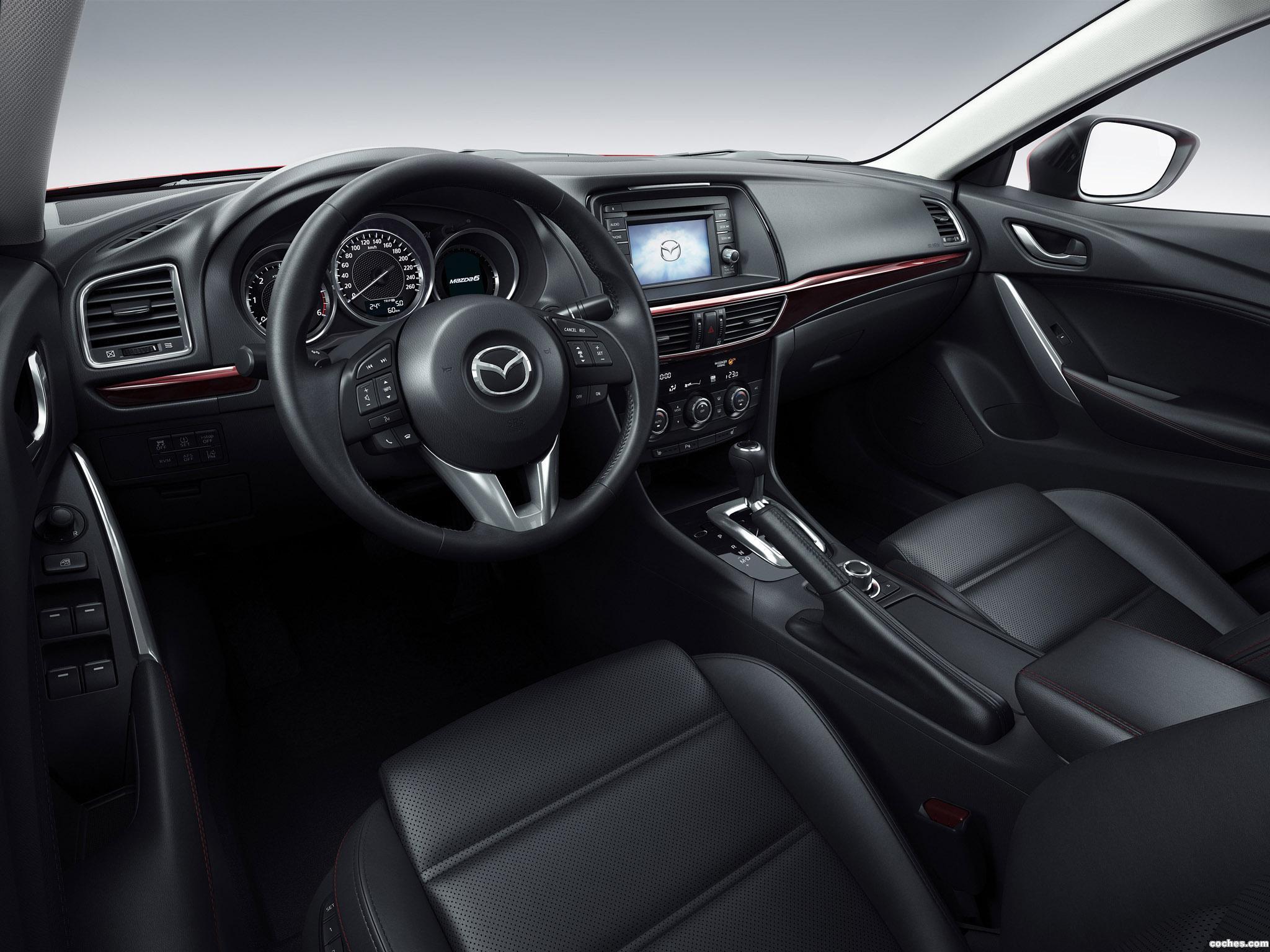 Foto 23 de Mazda 6 Wagon 2013