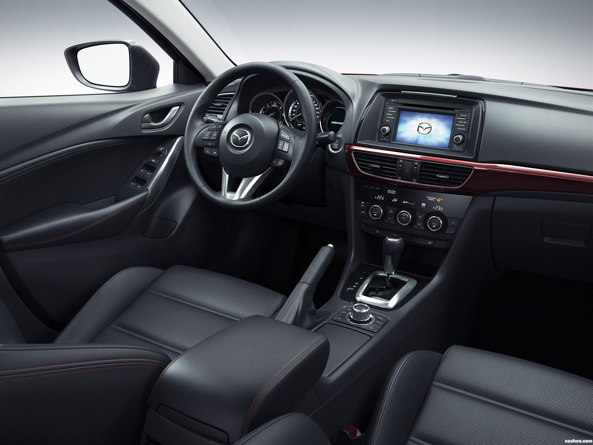 Foto 22 de Mazda 6 Wagon 2013
