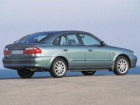 Ver foto 3 de Mazda 626 1999