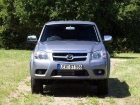 Ver foto 8 de Mazda BT-50 Double Cab UK 2008