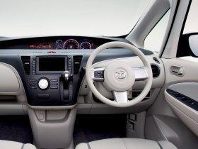 Ver foto 12 de Mazda Biante 2008