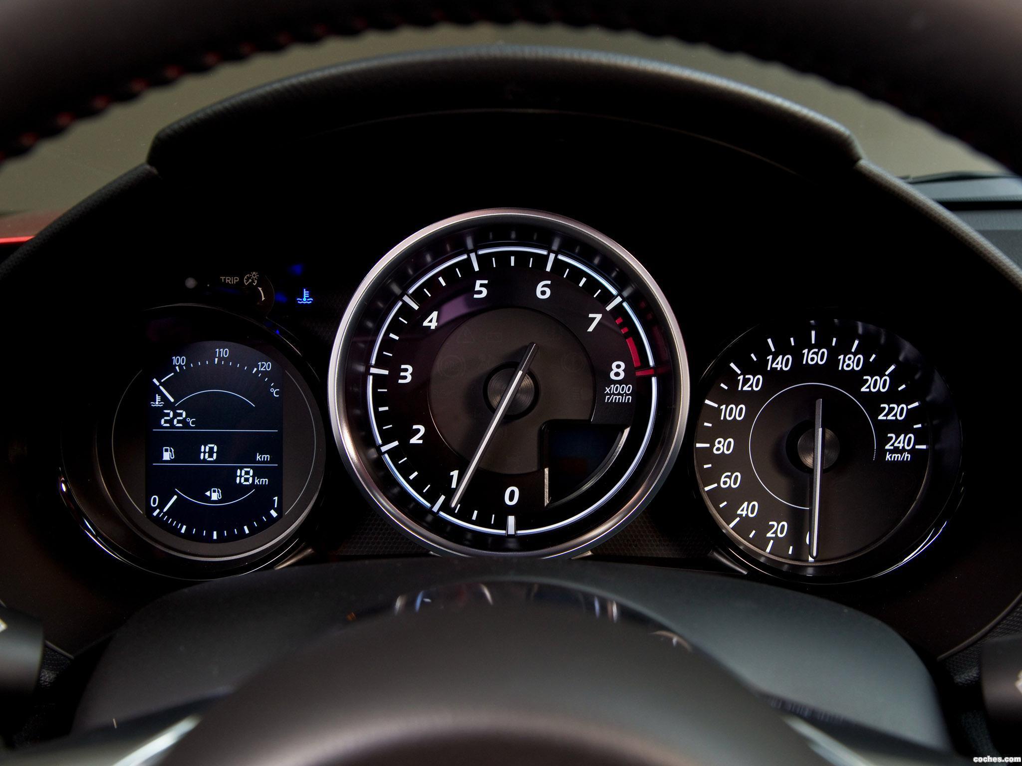 Foto 13 de Mazda MX-5 Roadster 2015