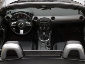 Ver foto 12 de Mazda MX-5 Roadster 2008