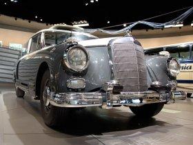 Fotos de Mercedes 300 Messwagen 1960