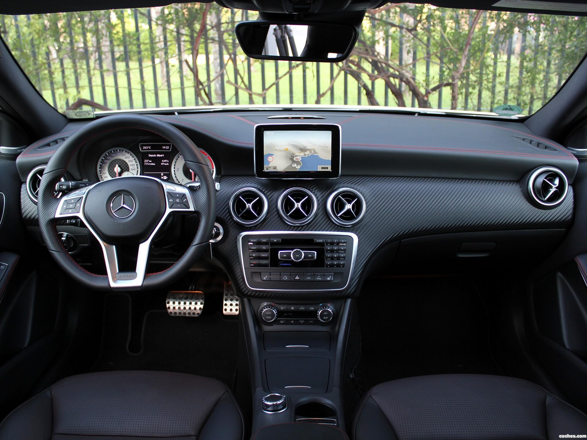 fotos de mercedes clase a a200 cdi amg sport package w176. Black Bedroom Furniture Sets. Home Design Ideas