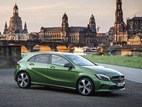 Ver foto 2 de Mercedes Clase A A200 Style W1 2015