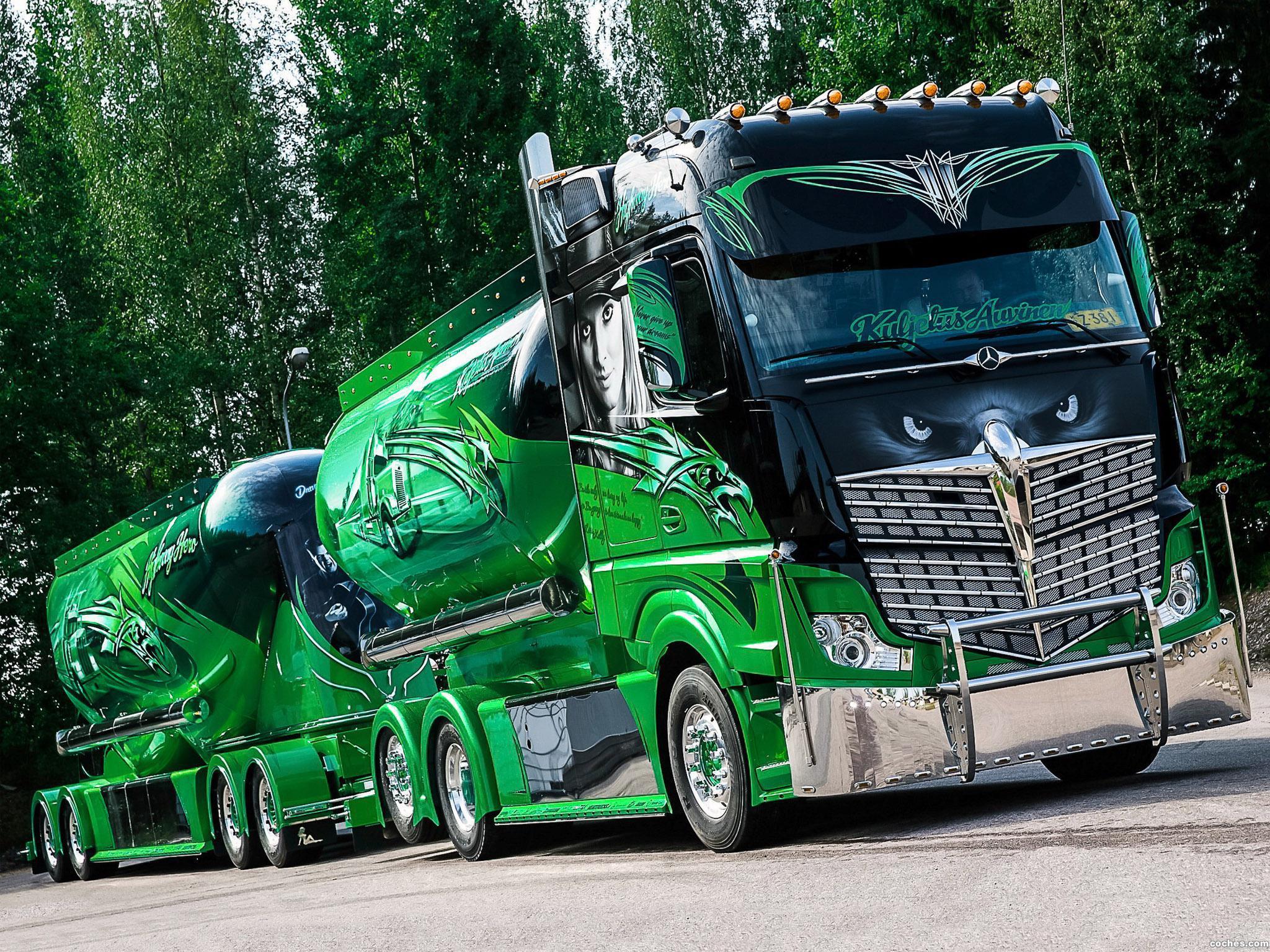 Foto 0 de Mercedes Actros 2551 6x2 Highway Hero Show Truck 2014