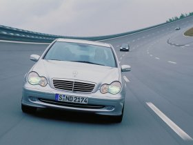 Ver foto 27 de Mercedes Clase C W203 2000