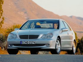 Ver foto 17 de Mercedes Clase C W203 2000
