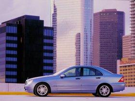 Ver foto 2 de Mercedes Clase C W203 2000