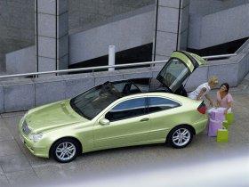 Ver foto 15 de Mercedes Clase C Sportcoupe 2001